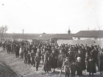 Niepokalanów, Wielkanoc - otwarcie kaplicy dla ludzi, kwiecień 1932